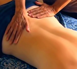 Massage Using Essential Oils for Muscles