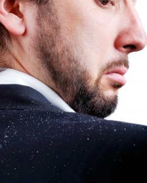 Using Essential Oils for Dandruff Treatment